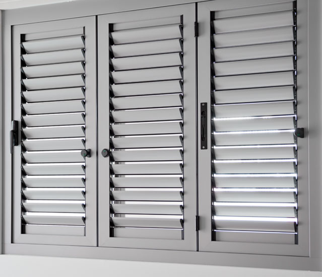 Aluminios garcilaso productos persianas mallorquinas - Puertas mallorquinas ...