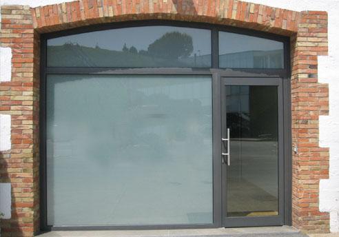 Aluminios garcilaso productos puertas de entrada de for Puerta xor de tres entradas