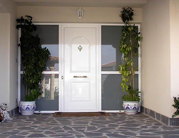 Puerta entrada con las mejores colecciones de im genes for Puertas de aluminio para entrada principal