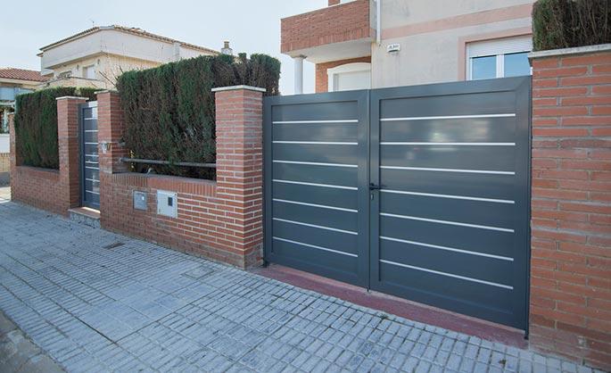 Aluminios Garcilaso Perfiles Puertas Y Vallas De Jardin De