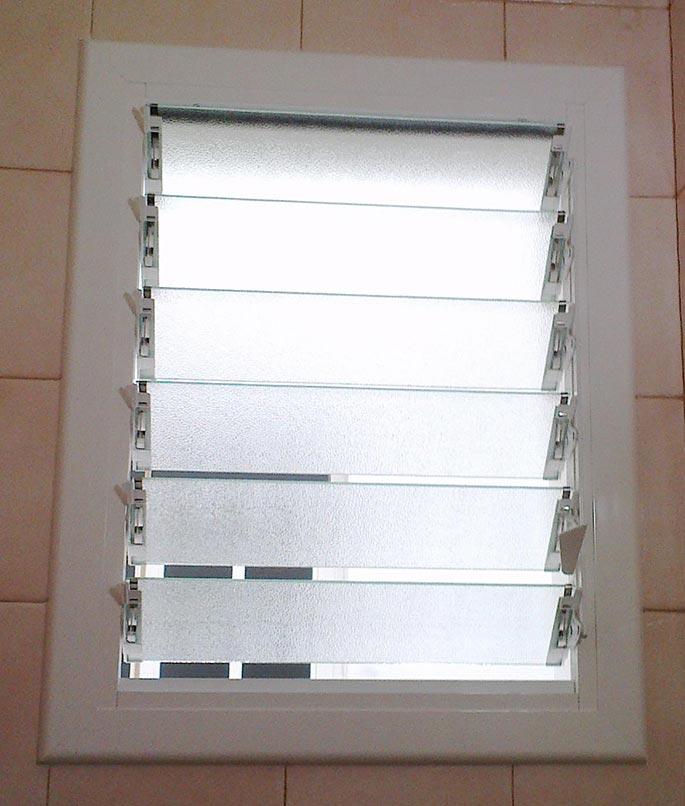 Aluminios garcilaso productos ventana de aluminio - Celosias de aluminio ...